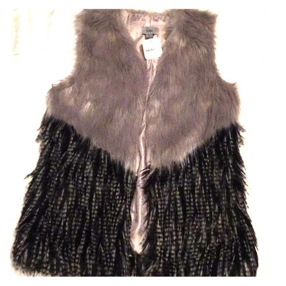 yaira Jackets & Blazers - Yaira faux fur gray black size small